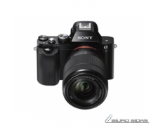 Sony ILCE7KB.CE Body + 28-70mm Mirrorless Camera Kit, 2..